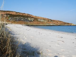 explore Gigha beaches and coves
