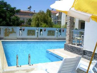 Stella Classic Holiday 2 Bedrm Apart with Sea View, Fethiye