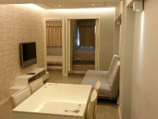 Wanchai Cozy 3-Room Apartment, Hong Kong