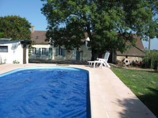 Gite in Rural France with swimming pool, La Châtre