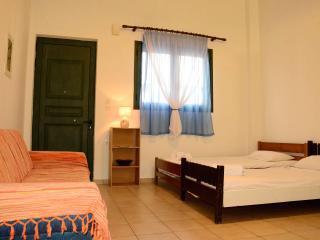 nice apartment with wifi & bike rent, Kalamata