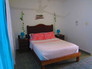 Sunny apartment in Colonia Centro!!!, Playa del Carmen