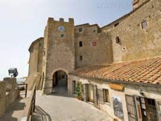 caratteristica casa nel borgo di Capalbio
