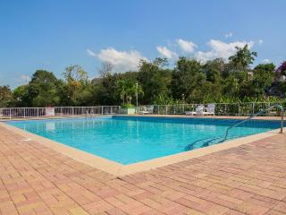 Garden 1 Bed Apt shared Pool, Degicel TEL:4566516, Kingston