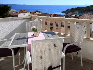 Spacious & modern 2 bedrooms apartment in the city center with perfect sea view, Makarska