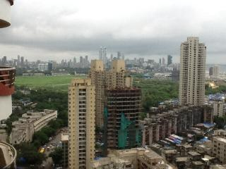 The best located homey 7-Star homestay in Mumbai., Bombay