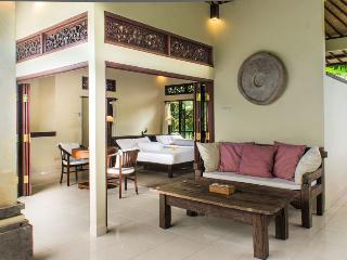 Payogan Homestay Upstair, Kedewatan