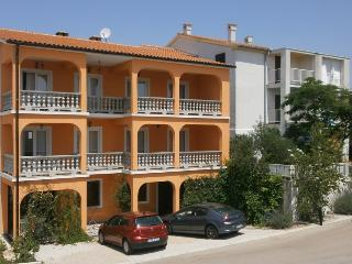 Family Apartment Milly with Two Bedrooms - A4a, Krk