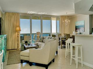 BEACHFRONT LUXURY FOR 10! OPEN 3/12-19! CALL BEFORE IT'S GONE!, Destin