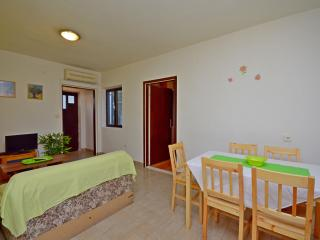 Low cost apartment in center, Split