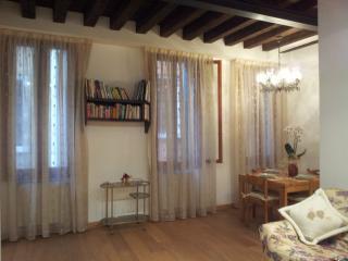 casa vacanze la gondola Venezia centro, Venice