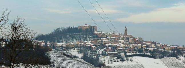 Govone: panorama con la neve.