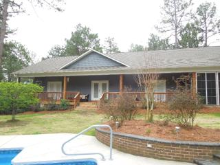 Charming cottage with use of pool, Southern Pines