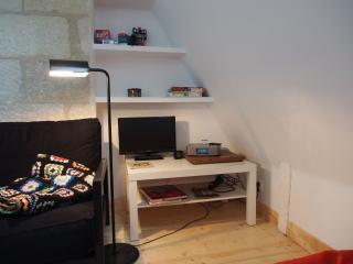 TV, station d accueil i pod / i pad / i phone, jeux, livres
