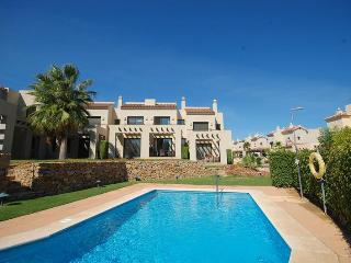 Roda Townhouse - Pool, Air Con, WIFI, Golf Clubs