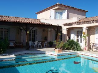 villa avec piscine en Camargue, Saint-Laurent-d'Aigouze