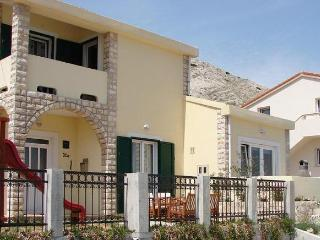Apartments Grguric- apt. C, Pag