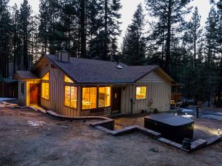 Remodeled! Close Heavenly! Hot Tub! Privacy!, South Lake Tahoe