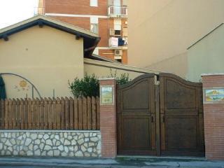 Villa Emilia porzione Rossella, Terracina