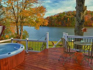 Kick back and enjoy the Hocking Hills with this lakefront property!