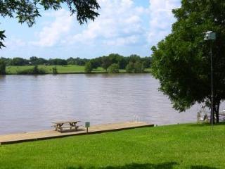 Llano Lake House, Kingsland