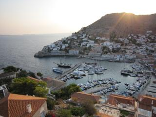 The Harbor Master's Place, Hydra Town