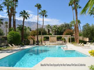 1 Bedroom, 1 Bath, Large Living Room with Sofa Bed, California Desert