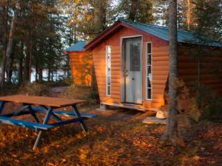 Lakefront cabin, Golden Lake