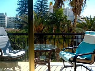 Flat in citycentre of Larnaca with garden view, Larnaka City
