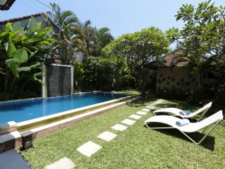 Garden and private pool
