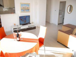 CR 113 - Apartment 1M, Split