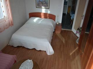 CR115 - Apartment 8