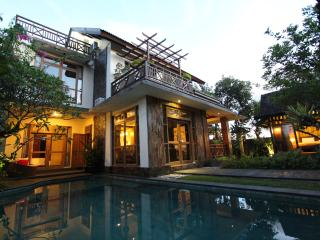New Haven Bali Villa 4 BDR near echo beach, Mengwi