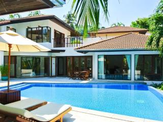 Surin Beach-4 Bedroom Pool Villa-500 m to Bch-jw, Phuket Town