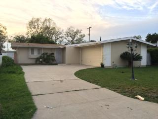 LA/Orange County centrally located, Whittier 4BED