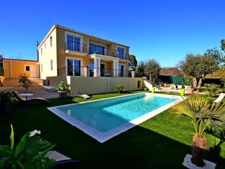 Oceane - Modern, brand new villa with pool, Villeneuve-Loubet