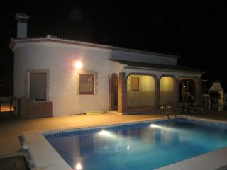 Stunning Mountain Views, Sleeps 6 at Casa Torreta., Iznate