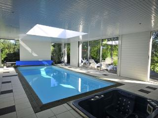 Villa Port - Indoor heated private pool, Jacuzzi, Clohars-Carnoet