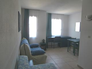 Nice center-close to trains,beaches,shops