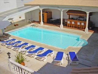 Holiday Home, 2 Houses, Heated Pool, Jacuzzi, Evora