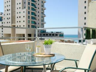Rooftop Sea-view Apt! Hayarkon st., Jaffa