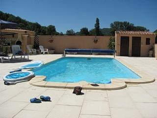 Charming Villa With pool, and mountain views, Fa