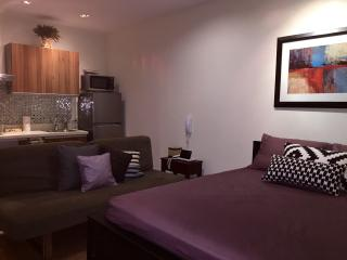 Sleek Studio at Gramercy w/ Balcony +WiFi, Makati