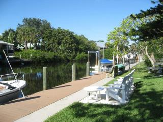Canal Place, Anna Maria