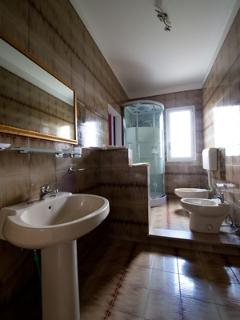scopello bathroom