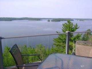 Castle Rock: Modern Burntside Lakehome with Amazing View, Ely