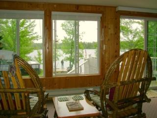 Loons Nest: Charming Northwoods Cabin with Great View on White Iron Lake, Ely