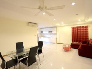 Cozy Boutique Poolview Condo City Centre Location, Pattaya