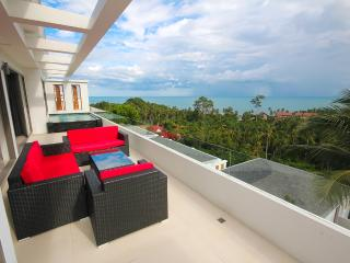 2-Bedrooms Sea View Penthouse Suite in Lamai, Koh Samui