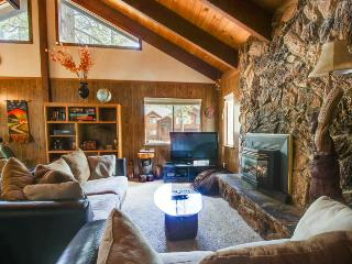 Cozy family-friendly home close to skiing, lake, and more, South Lake Tahoe